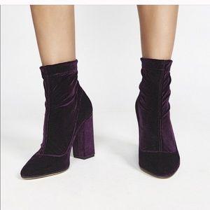 🖤 Tamara Mellon Velvet Booties